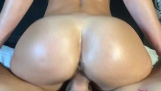 Fit Teen fucks her personal trainer after the gym