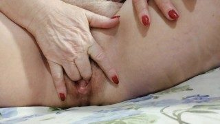 Old woman handjob zoom
